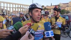 Perico Delgado celebra los 30 años de su victoria en el Tour con el Reynolds en pleno