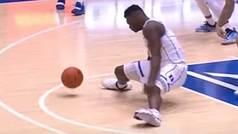 Zion Williamson se lesiona al reventar su zapatilla y abrirse de piernas sin control