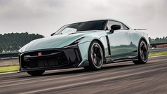 El Nissan GT-R del millón de euros, en acción en pista