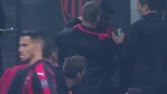 Kessié pierde los papeles... e intenta pegar a Biglia durante el Milan-Inter