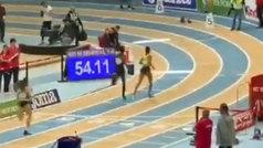 Así fue el espectacular récord de España sub 18 de Salma Paralluelo en 400 metros (54:11)