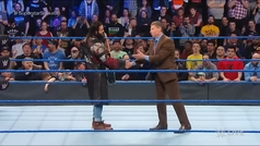 Roman Reigns deja KO a Mr. McMahon