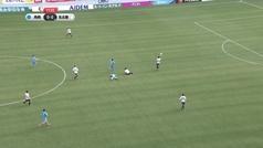 Torres perdió los nervios, se encaró con el árbitro y sus compañeros le tuvieron que frenar