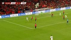 Griezmann, con el el 'timing' de Messi: llega en carrera y gran gol en Albania