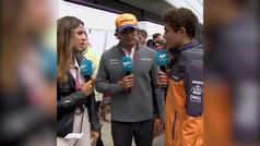 """Carlos Sainz se ríe del 'troleo' de Ricciardo mientras le entrevistaban en directo: """"Karma"""""""