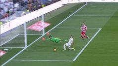 Benzema perdonó varias ocasiones en la primera parte para dar ventaja al Madrid