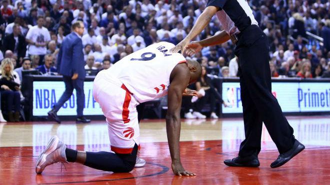 Raptors humilla a 76ers para tomar ventaja en la serie