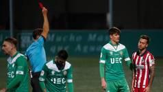 Ricard dejó al Atlético en inferioridad media hora por doble amarilla