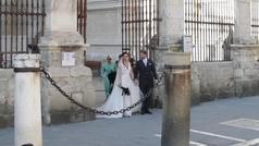 Así fue la salida de la Catedral de Pilar Rubio y Sergio Ramos... ¡y se besan!