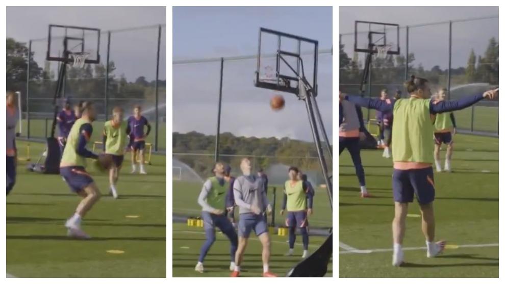 Ha sido irse del Madrid y Bale ya las enchufa hasta... ¡jugando al básket!