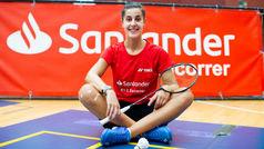 Carolina Marín da su primer golpe a la raqueta en el CAR de Madrid tras el confinamiento
