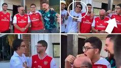 Cuatro fans del Arsenal se hacen una foto de amigos... y aparece Bellerín: ¡ojo a sus caras!