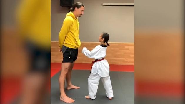 Ibra ni se inmuta con la patada del futuro del taekwondo