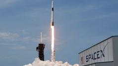 SpaceX: La cápsula Crew Dragon se acopla en la Estación Espacial Internacional