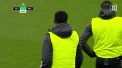 Así fue el debut de Thomas con el Arsenal... y primera tarjeta