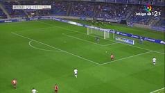 Un 'topo' inesperado le hace la zancadilla a Dani Hernández  y deja el gol en bandeja a Budimir
