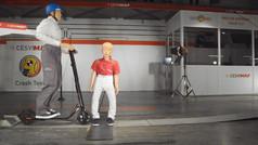 Esto es lo que pasa cuando un patinete eléctrico choca con un niño