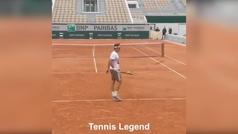 Confirmado: Federer no es de este planeta... su truco imposible que arrasa en las redes