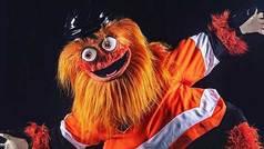 Presentan a Gritty, la mascota más horrorosa del deporte