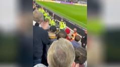 Así fue la emergencia médica en las gradas durante el Newcastle - Tottenham