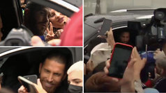 Baño de masas de Sergio Ramos al abandonar Valdebebas