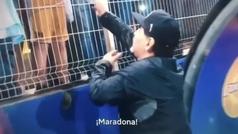 """El feo desplante de Maradona a unos niños: """"Si siguen gritando 'Diego' me voy a la mierda"""""""