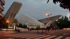 Cierra el centro comercial de Calatrava en Oviedo