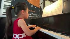 Una niña de cuatro años es todo un prodigio de la música