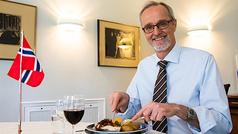 Cocinando skrei con el embajador de Noruega en España