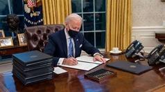 Biden da un giro de timón: vuelve a Acuerdo de París y pide el uso de mascarilla