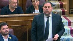 Junqueras promete el cargo entre los golpes de los diputados de Vox