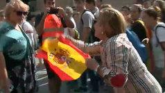 Una mujer termina por los suelos en los incidentes en la marcha independentista