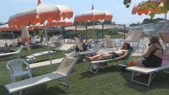 Roma inaugura una playa artificial en la que no se podrá bañar
