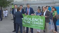 Bronca entre Almeida y Ortega Smith por la pancartas contra la violencia de género