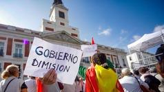 Sánchez recibido con abucheos en la Puerta del Sol