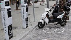 ¿Puede usted cargar su moto eléctrica en el trabajo?