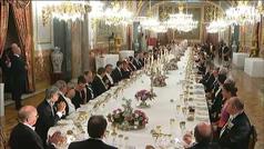Así se monta la mesa del comedor de gala del Palacio Real