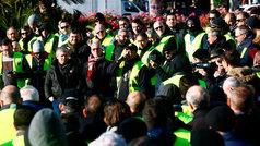 Los taxistas amenazan con bloquear la frontera con Francia
