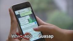 """""""Guasap"""" y poner punto tras un emoticono, las nuevas recomendaciones de la RAE"""