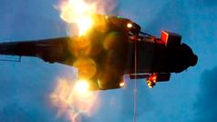 Espectacular rescate de Salvamento Marítimo a cinco tripulantes de un velero