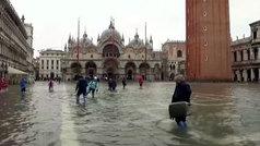Venecia asolada por su peor inundación desde 1966