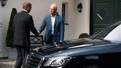 La original despedida de BMW al CEO de Mercedes se viraliza
