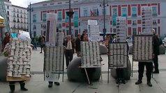 Multas a los loteros de la Puerta del Sol que pongan mesas