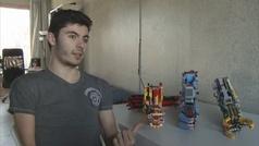 Un español construye su prótesis de brazo con piezas de Lego