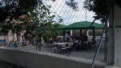 Los alumnos de un colegio de Alicante empiezan dando clases bajo carpas