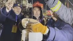 Al menos 12 mineros llevan atrapados bajo tierra más de una semana en China