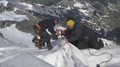 Así intentan preservar la nieve en los Alpes