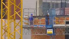 Las obras se encarecen un 22% por el retardo y la escasez de materias primas