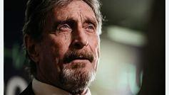 Encuentran muerto al fundador del antivirus McAfee en su celda en Barcelona