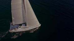 Elan E4: un 'deportivo' familiar de 10 metros